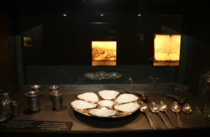 Candles-in-museum